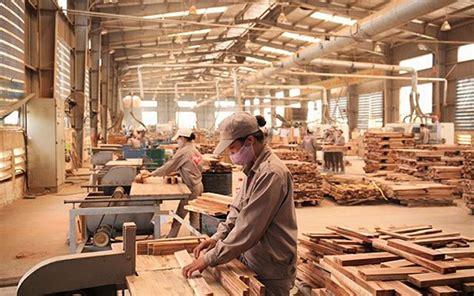 target markets worry wooden furniture exporters