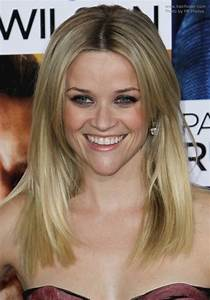 Light Brown Eyeliner Reese Witherspoon Wearing Her Long Hair Angled Along The Sides