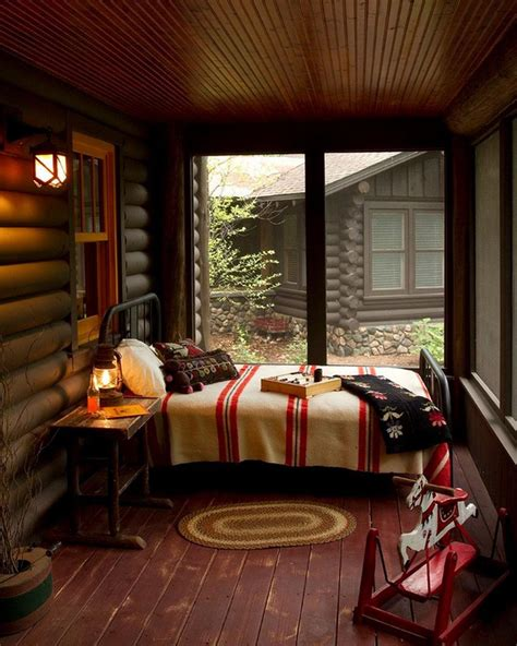 veranda chambre la veranda moderne transformée en coin de sommeil estival