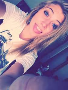Pretty Blonde Teen Girls Selfie