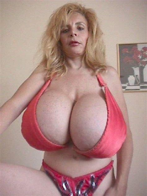 college-lulu-devine-boobs-kleines
