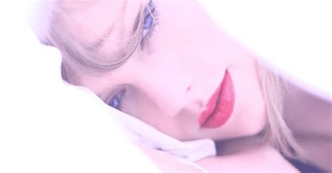 taylor swift shows  sensual side  moody style video