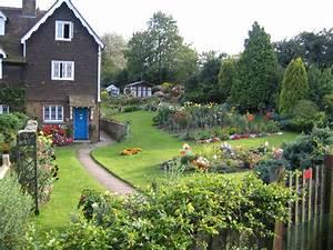 Country Garden Design : an english country garden plaxtol kent rodney burton geograph britain and ireland ~ Sanjose-hotels-ca.com Haus und Dekorationen