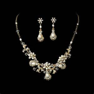 jewelry for bridesmaids how to choose wedding jewelry for bridesmaids best wedding hairstyles haircuts