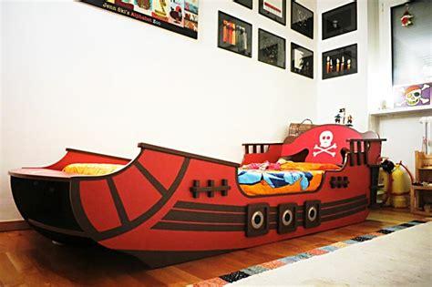 chambre bateau pirate lit enfant cabane et solutions originales pour fille et garçon