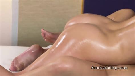 Naked Lesbian Gets Oil Massage With Stones EPORNER