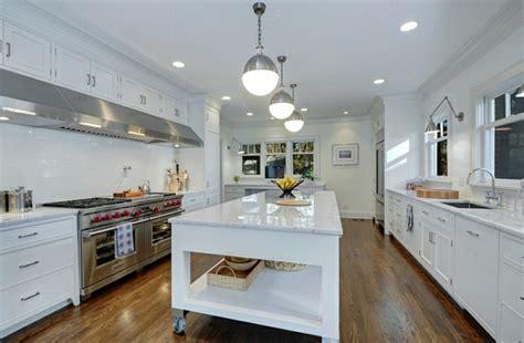 il central cuisine le îlot à roulettes qui va pimenter le design de votre cuisine