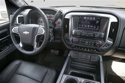 chevy silverado interior 2017 chevrolet silverado 2500hd 4wd z71 ltz test