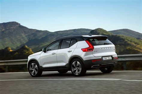 volvo xc40 jahreswagen 2018 volvo xc40 drive out jaguar e pace motoring research