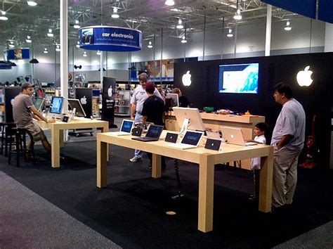 apple vs samsung war to retail as best buy plans to open 1 400 samsung experience shops