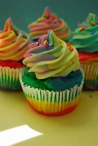 amazing rainbow cupcakes | The Domestic Rebel
