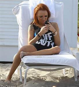 Teen Mom Star Maci Bookout Spotted Smoking And Drinking At Miami Beach Daily Mail Online