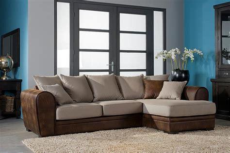 canapé taupe divan photo 13 15 les cousins dans ce canapé ont l 39 air