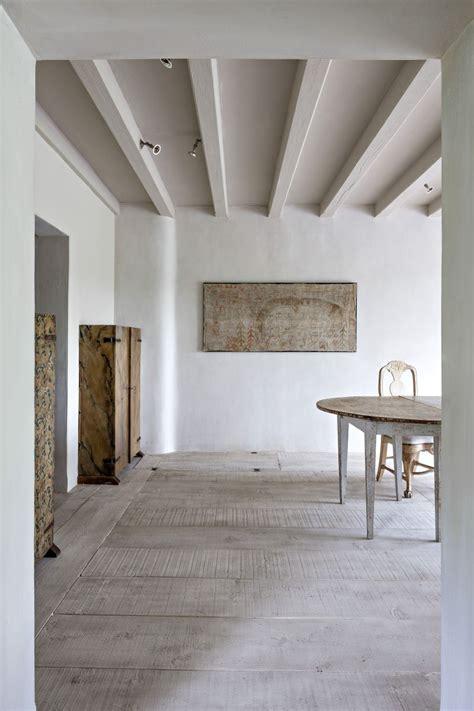 loading deco minimaliste maison corse  bureau studio