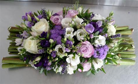 centre de table violet lavande et blanc fleurs mariage