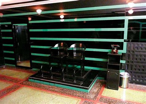 Hermitage Hotel Nashville Mens Bathroom by Historic Retreats Nashville S Hermitage Hotel House