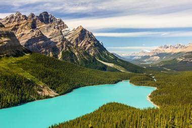 beautiful places  visit  canada