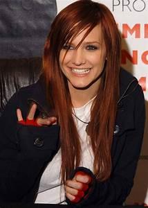 Red hair Ashlee | Ashlee simpson, Long hair styles, Cute ...