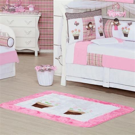 tapis bebe chambre tapis chambre bébé idées de déco sympa et originale