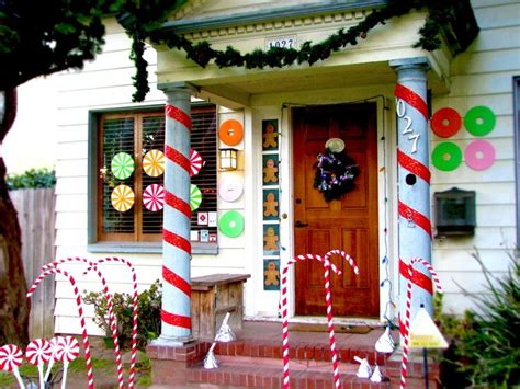 decorating porch columns for christmas 126 best images about holidays christmas exterior decoration ideas on pinterest tomato