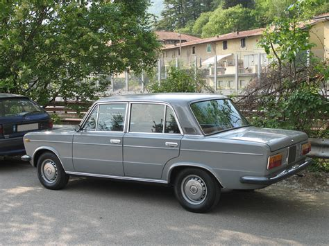 File:Fiat 125-left.jpg - Wikimedia Commons
