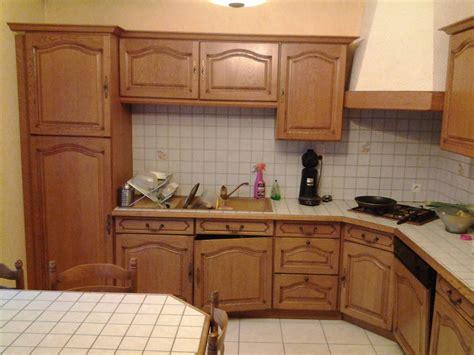 moderniser une cuisine en ch麩e simple refaire sa cuisine rustique en moderne cuisine en chne mobilier