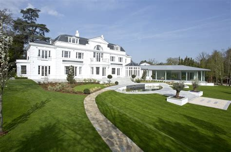 stately  square foot newly built mansion  surrey