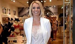 Britney Spears sports sleek bob at lingerie launch in ...