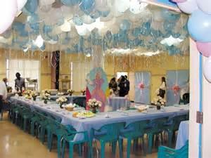 decorer une salle pour anniversaire reussir la decoration de sa fete d anniversaire f 234 tes et