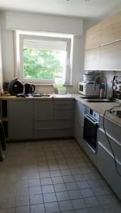 Küchen Bei Ikea : kleine ikea metod mal nicht in wei ikea fertiggestellte k chen ~ Markanthonyermac.com Haus und Dekorationen