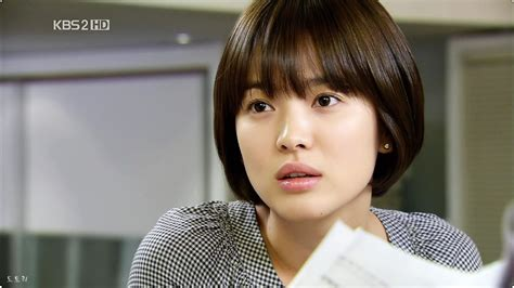 Song Hye Kyo Hairstyle by Song Hye Kyo Spotted Rocking A Fresh New Hairstyle Koreaboo