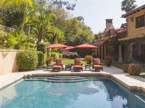 sofia vergara home celebrity homes sofia vergara s beverly hills villa