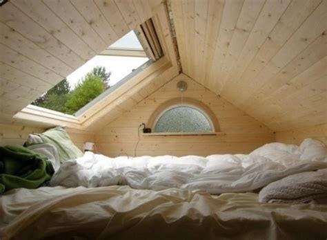 Einfamilienhaus Wohnzimmer Unterm Dach by Bett Unterm Dach Home Design F 252 R Zuhause Style