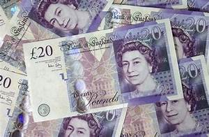 The British pound drifts lower on Monday