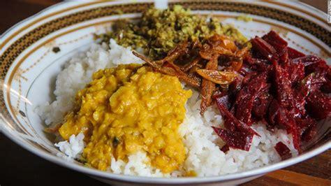 sri lanka cuisine 12 foods sri lanka visitors to try cnn com