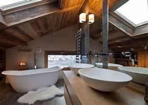 Salle de bain chalet de montagne deco luxueuse et raffinee for Salle de bain montagne