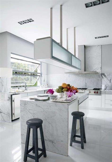 marbre cuisine cuisine marbre et bois