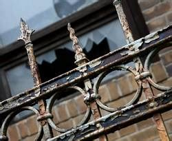 Terrassenfliesen Materialien Fuer Alle Ansprueche by Sicherheit Vor Wind Und Wetter Holzschutz Im Au 223 Enbereich