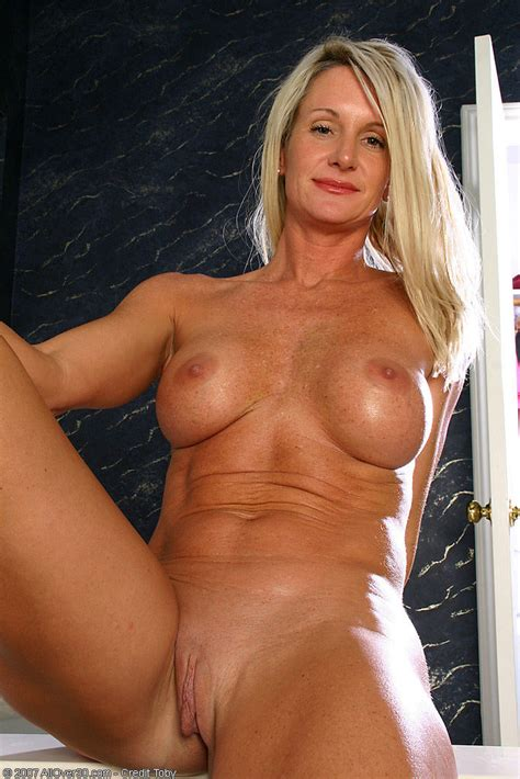 All Over 30 Hot Mature Pics And Movies