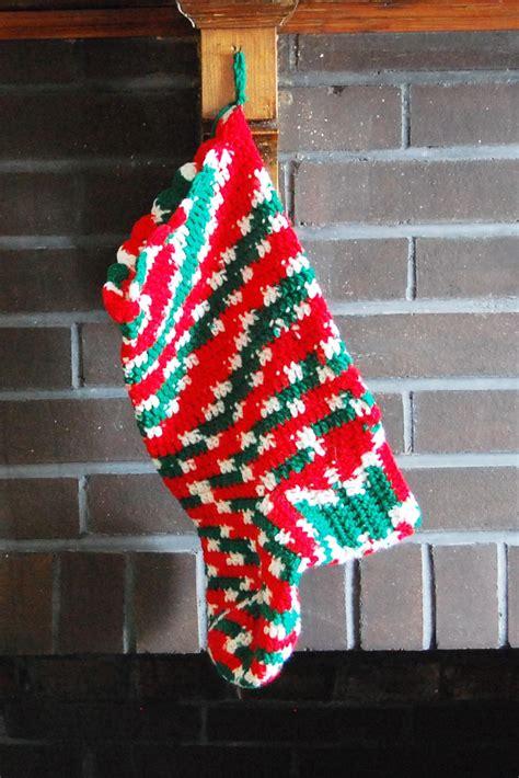 crochet christmas stockings   patterns favecraftscom
