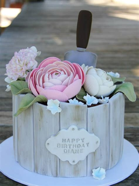 You will find cakes for women and men with pictures. Pin on Piece a' Cake