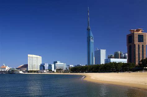 Fukuoka's Seaside Momochi - GaijinPot