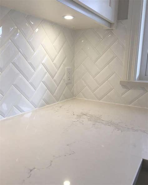 2 X 8 Beveled Subway Tile by Best 25 Beveled Subway Tile Ideas On White