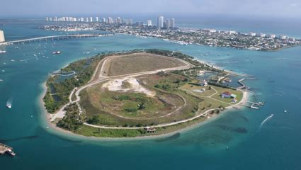 Boat Tour Jupiter Island by Lacuna Tours South Florida Finds