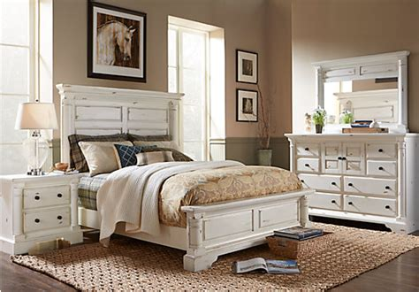 claymore park  white  pc queen panel bedroom traditional