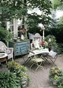 gartenmobel franzosischer landhausstil garten terrasse With französischer balkon mit haus und garten magazin