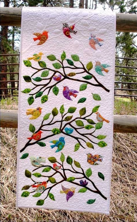 Tree Of Paradise Quilt Template Pattern by 25 Best Ideas About Bird Quilt On Pinterest Bird Quilt