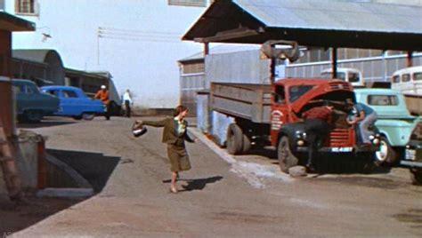 hatari truck imcdb org 1954 thames et6 4d in quot hatari 1962 quot