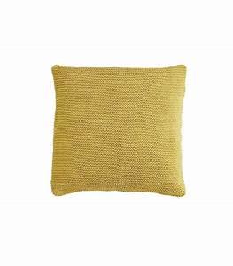 Housse De Coussin Jaune : housse de coussin en tricot coloris jaune safran 80x80 ~ Teatrodelosmanantiales.com Idées de Décoration