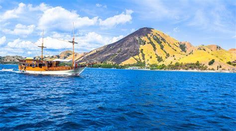 paket wisata sailing komodo  hari  malam dolan dolen